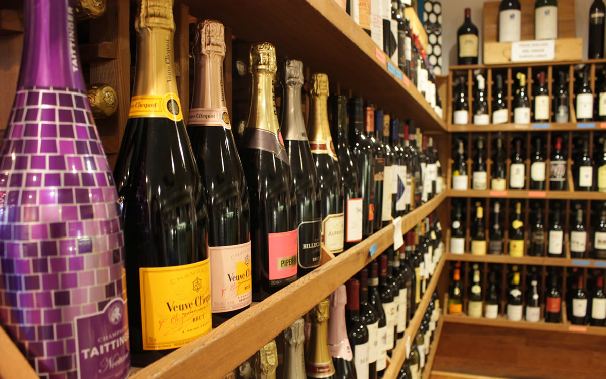 Sparkling and Red Wines on the Shelf
